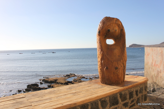 El Médano has artistic surprises around almost every corner. This beautiful carving in a space between buildings, overlooking the bay.