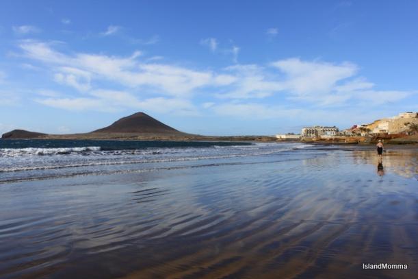 Main beach El Médano mid-morning