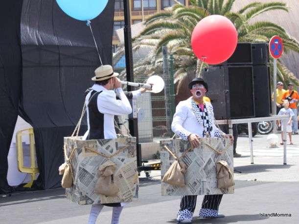 Clowns Sandalio and Margarito doing their opening sketch