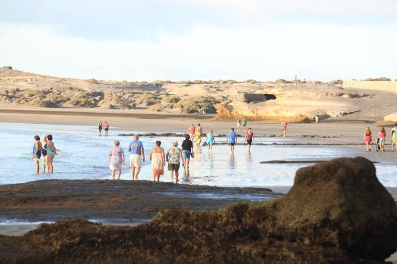 Early-ish morning El Médano main beach