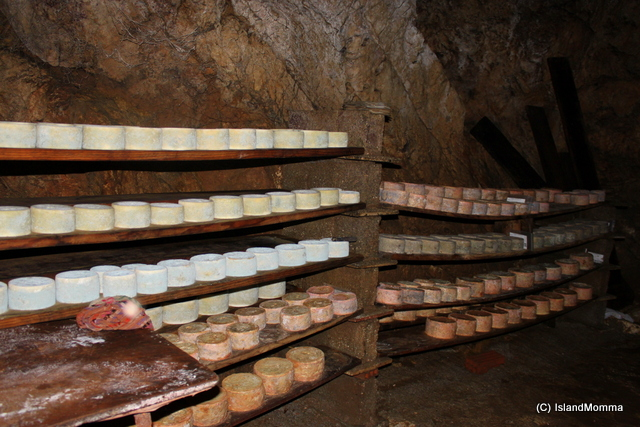 Cave Cabrales Cheese