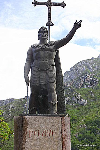 statue pelyao covadonga