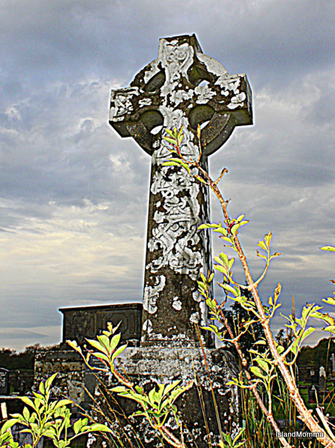 Celtic cross in Drumcliffe church graveyard