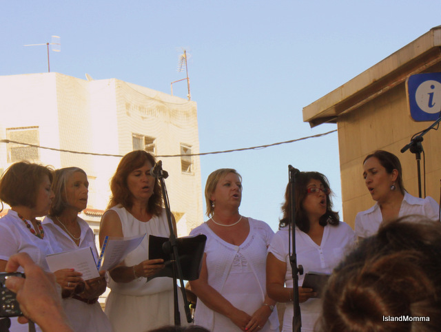 The choir performing an a traditional African song at an international cooperation concert in the village of Las Galletas, Arona last year