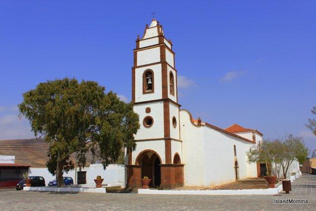 Church Square in Tetir