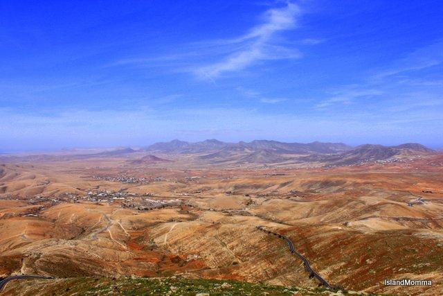 The plain around Antigua and Llanos de la Concepción seen from the Mirador at Morro Veloso