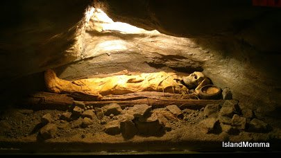 Model of Guanche burial cave in museum in Zarza La Palma