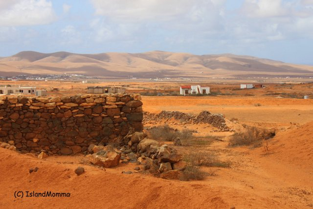The stark, red and utterly beautiful inland scenery of Fuerteventura