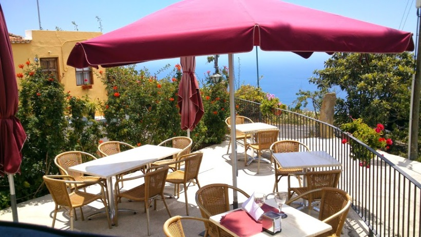 Ceverzeria Isla Verde in Tijarafe which quickly became my favorite place to eat in La Palma